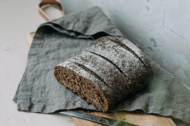 Lækre rugbrødchips af tørt rugbrød